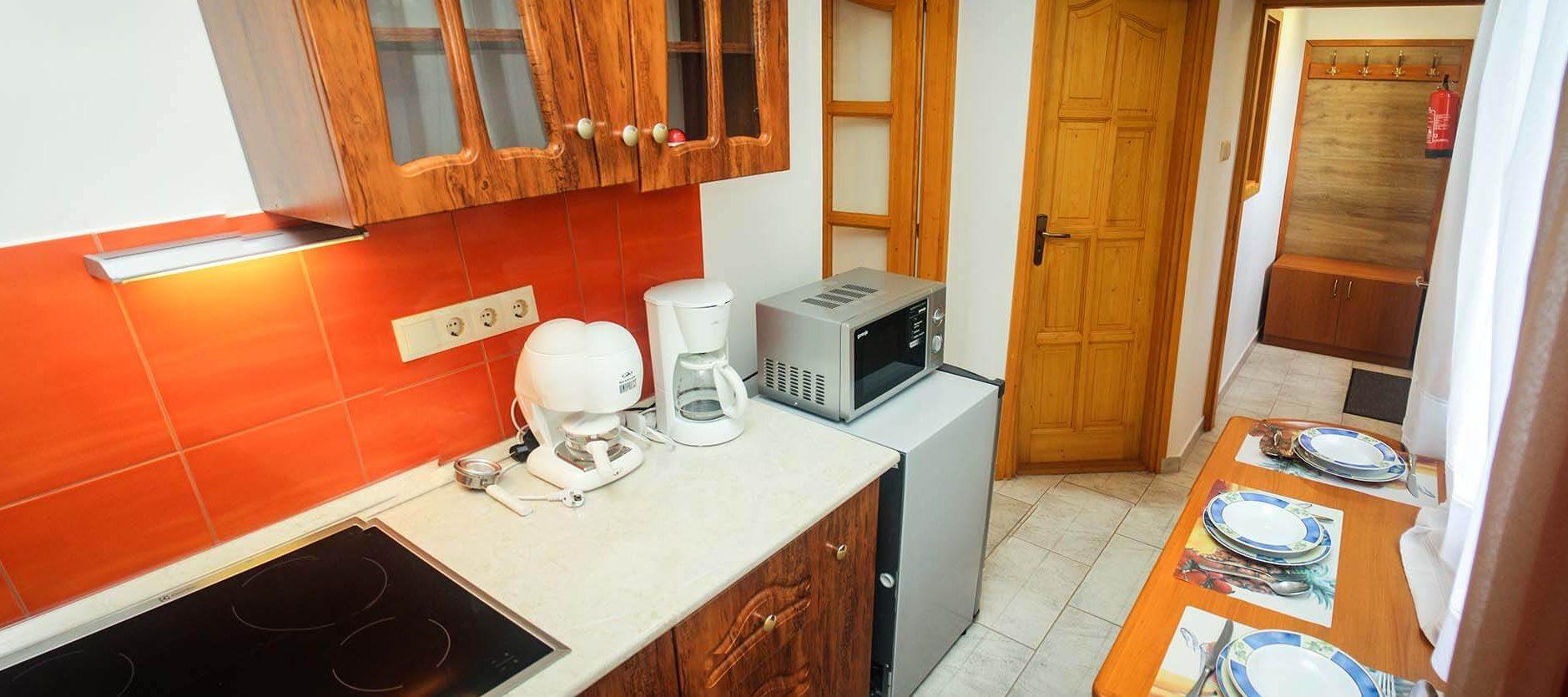 Aqua Thermal Sóterápia és Apartmanház, Püspökladány, szállás, konyha